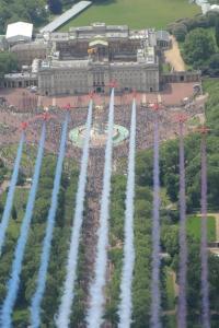 ニュース画像:イギリス空軍、エリザベス女王の満90歳公式式典で祝賀飛行 6月11日