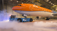 ニュース画像:KLM、Facebookで人気のオレンジ塗装機を実現 イベントにあわせ投入