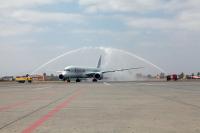 ニュース画像 1枚目:マラケシュに到着したQR1395便の初便