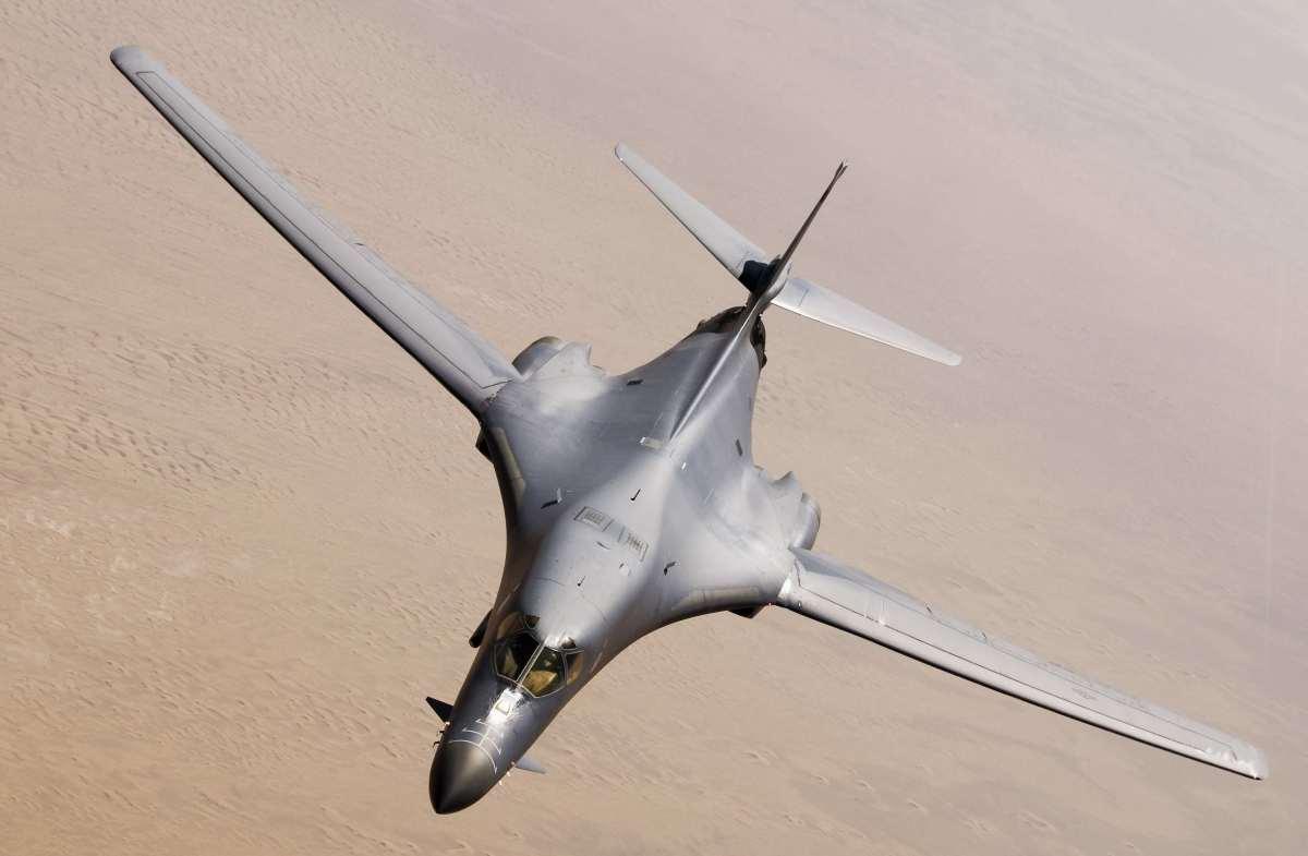 ニュース画像 1枚目:グアムのアンダーセン空軍基地にB-1Bランサーを配備