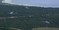 ニュース画像:B-52、B-1、B-2の戦略爆撃機3機種がアンダーセン空軍基地から同時展開