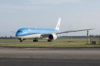 ニュース画像:KLM、787-9の8機目とERJ-175の3機目を同日に受領