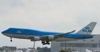 ニュース画像:KLMオランダ航空、747が主翼を左右に振り「バイバイ」 日本に別れ