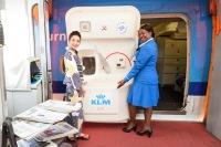 ニュース画像 3枚目:着物姿のスタッフがラストフライトの乗客を歓迎