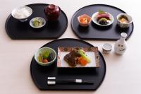 ニュース画像:エミレーツ航空、羽田、成田、関空発着ドバイ線で新たな和食メニュー提供