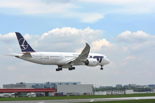 ニュース画像 1枚目:LOTポーランド航空の787