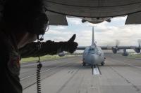 ニュース画像:横田基地日米友好祭が開幕、航空機展示は米軍・自衛隊とも13機種ずつ