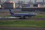 えんぷさんが、羽田空港で撮影した全日空 777-281の航空フォト(写真)