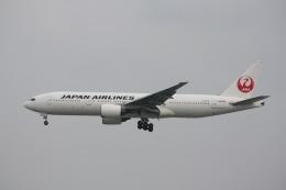 Tomo_mczさんが、那覇空港で撮影した日本航空 777-246の航空フォト(飛行機 写真・画像)
