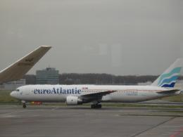 PW4090さんが、アムステルダム・スキポール国際空港で撮影したユーロアトランティック・エアウェイズ 767-3Y0/ERの航空フォト(飛行機 写真・画像)