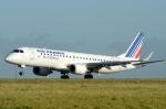 バーバ父さんが、パリ シャルル・ド・ゴール国際空港で撮影したレジォナル ERJ-190-100 LR (ERJ-190LR)の航空フォト(写真)