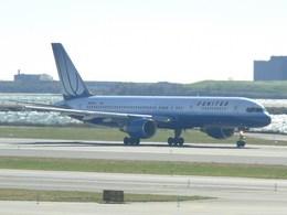 スカイマンタさんが、ジョン・F・ケネディ国際空港で撮影したユナイテッド航空 757-222の航空フォト(飛行機 写真・画像)