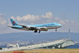 samuraiさんが、関西国際空港で撮影した大韓航空 747-4B5F/SCDの航空フォト(飛行機 写真・画像)