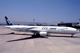 goshiさんが、伊丹空港で撮影した全日空 777-381の航空フォト(飛行機 写真・画像)