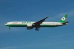 matsuさんが、ロサンゼルス国際空港で撮影したエバー航空 777-35E/ERの航空フォト(写真)