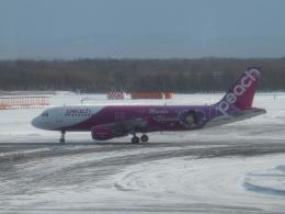 CHAN☆KIYOさんが、新千歳空港で撮影したピーチ A320-214の航空フォト(飛行機 写真・画像)