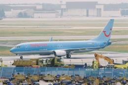 ゴンタさんが、フランクフルト国際空港で撮影したハパック ロイド フルーク 737-8K5の航空フォト(飛行機 写真・画像)
