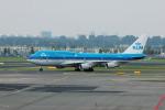 Gambardierさんが、アムステルダム・スキポール国際空港で撮影したKLMオランダ航空 747-406Mの航空フォト(写真)