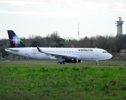 じーく。さんが、トゥールーズ・ブラニャック空港で撮影したボラリス A320-233の航空フォト(写真)