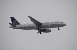 柏の子?さんが、オヘア国際空港で撮影したユナイテッド航空 A320-232の航空フォト(飛行機 写真・画像)