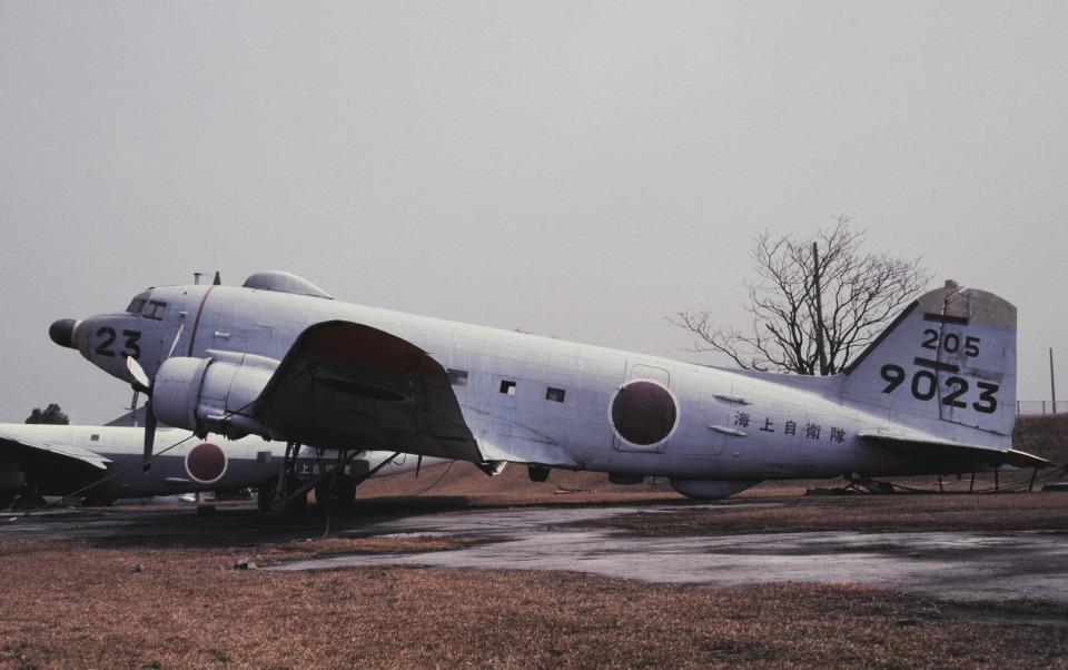 チャーリーマイクさんの海上自衛隊 Douglas DC-3 (9023) 航空フォト