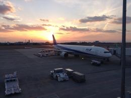 ばこしさんが、松山空港で撮影した全日空 777-381の航空フォト(写真)