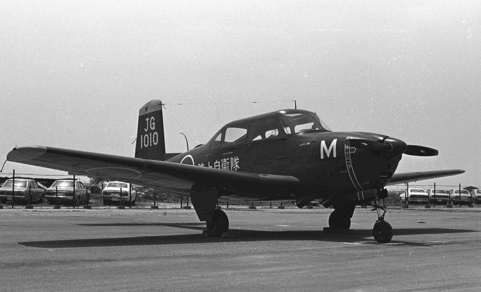 チャーリーマイクさんの陸上自衛隊 Fuji LM-1/LM-2 (21010) 航空フォト