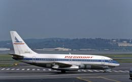 Gambardierさんが、ロナルド・レーガン・ワシントン・ナショナル空港で撮影したピードモント航空 737-201/Advの航空フォト(飛行機 写真・画像)