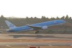 ANA744Foreverさんが、成田国際空港で撮影したKLMオランダ航空 777-206/ERの航空フォト(写真)
