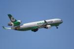 ANA744Foreverさんが、成田国際空港で撮影したエバー航空 MD-11Fの航空フォト(写真)