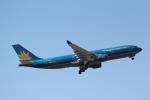 ANA744Foreverさんが、成田国際空港で撮影したベトナム航空 A330-223の航空フォト(写真)