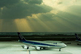 パンダさんが、那覇空港で撮影した全日空 747-481(D)の航空フォト(飛行機 写真・画像)