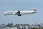 パンダさんが、那覇空港で撮影した日本航空 777-346の航空フォト(飛行機 写真・画像)