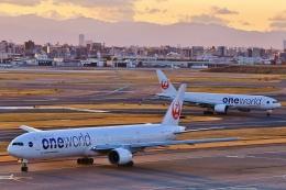 O-TOTOさんが、羽田空港で撮影した日本航空 777-346の航空フォト(飛行機 写真・画像)