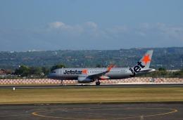 KAZKAZさんが、デンパサール国際空港で撮影したジェットスター A320-232の航空フォト(飛行機 写真・画像)