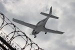 uhfxさんが、シカゴ・ミッドウェー国際空港で撮影したアメリカ企業所有 SR22の航空フォト(飛行機 写真・画像)