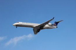uhfxさんが、オヘア国際空港で撮影したスカイウエスト CL-600-2C10 Regional Jet CRJ-700の航空フォト(飛行機 写真・画像)