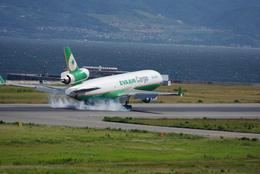 ヒデキチさんが、関西国際空港で撮影したエバー航空 MD-11Fの航空フォト(飛行機 写真・画像)