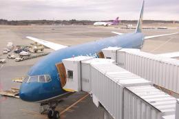 kou2315さんが、成田国際空港で撮影したベトナム航空 777-26K/ERの航空フォト(飛行機 写真・画像)