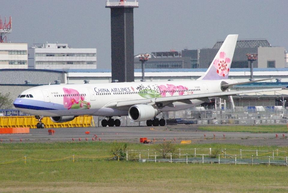ヒデキチさんのチャイナエアライン Airbus A330-300 (B-18305) 航空フォト