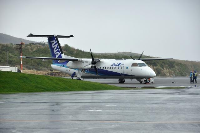 ライトレールさんが、三宅島空港で撮影したANAウイングス DHC-8-314Q Dash 8の航空フォト(飛行機 写真・画像)