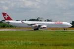 tassさんが、成田国際空港で撮影したスイスインターナショナルエアラインズ A340-313Xの航空フォト(写真)