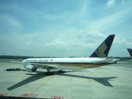 yosuke72さんが、シンガポール・チャンギ国際空港で撮影したシンガポール航空 777-212/ERの航空フォト(飛行機 写真・画像)