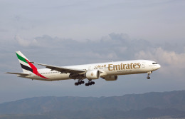 航空フォト:A6-ECO エミレーツ航空 777-300