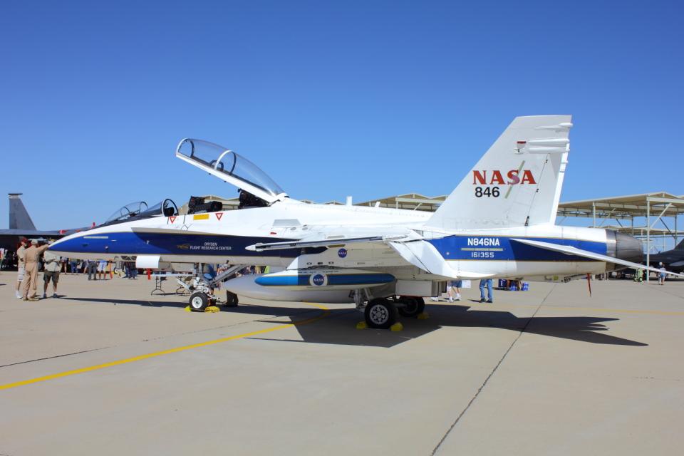 アメリカ航空宇宙局 McDonnell Douglas F/A-18 Hornet N846NA ルーク ...