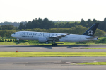 xxxxxzさんが、成田国際空港で撮影したユナイテッド航空 777-224/ERの航空フォト(飛行機 写真・画像)