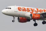 mamokeiさんが、アムステルダム・スキポール国際空港で撮影したイージージェット A319-111の航空フォト(飛行機 写真・画像)