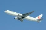 しんさんが、新千歳空港で撮影した日本航空 767-346の航空フォト(写真)