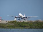 ひこ☆さんが、那覇空港で撮影した日本航空 777-246の航空フォト(写真)
