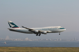 「パカルン」さんが、関西国際空港で撮影したキャセイパシフィック航空 747-412(BCF)の航空フォト(飛行機 写真・画像)
